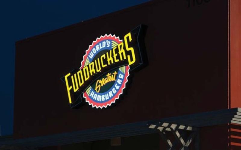 fuddruckers-01